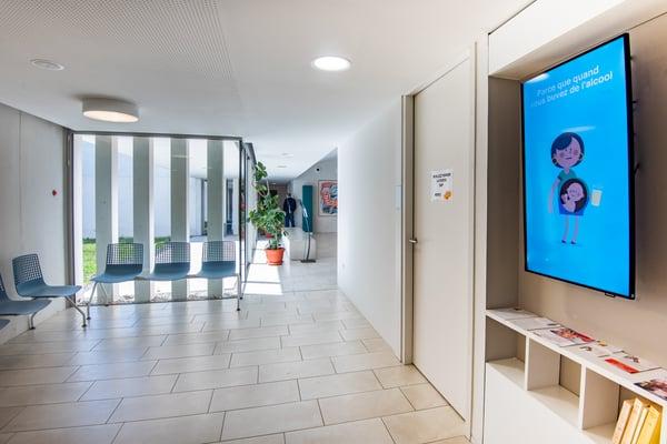 Ecrans d'information en salle d'attente pour les maisons de santé